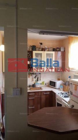 Dunakeszi eladó lakás, 3 szobás, 71 négyzetméteres