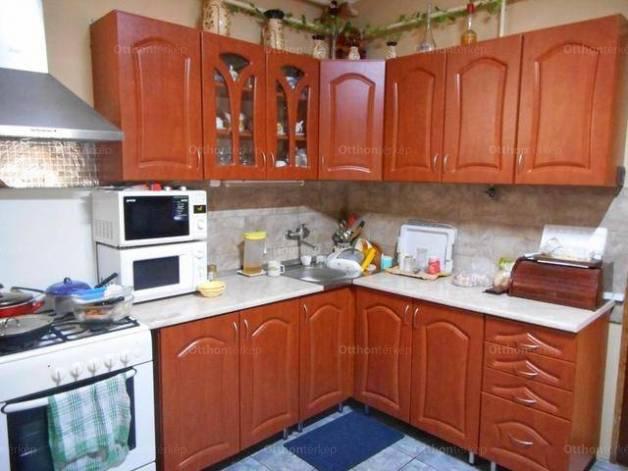 Családi ház eladó Mezőkeresztes, 100 négyzetméteres
