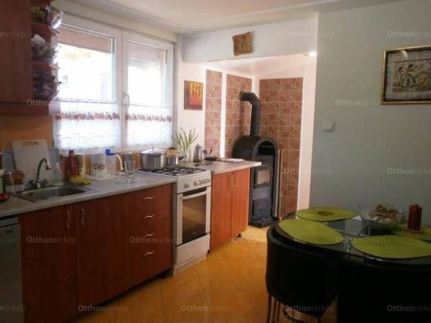 Pilis eladó családi ház