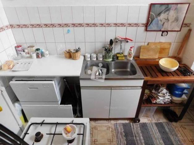 Eladó lakás, Budapest, Erzsébetváros, Dózsa György út, 1 szobás