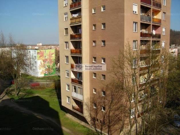 Eladó lakás Kazincbarcika, 1+1 szobás