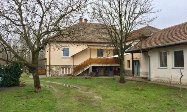 Szentmártonkáta 3 szobás családi ház eladó