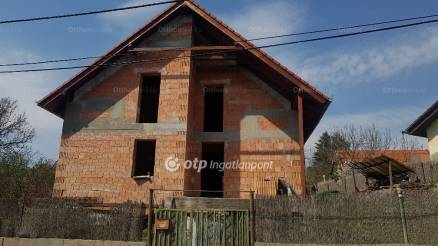 Üröm 5 szobás új építésű ház eladó