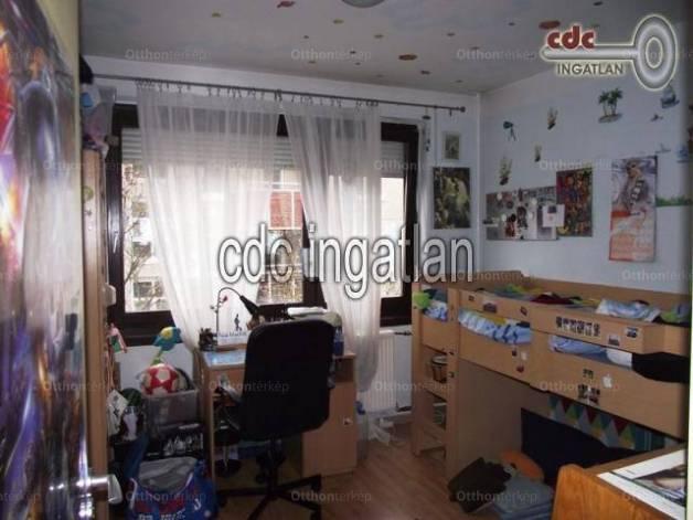 Eladó 2+2 szobás lakás Káposztásmegyeren, Budapest, Nádasdy Kálmán utca