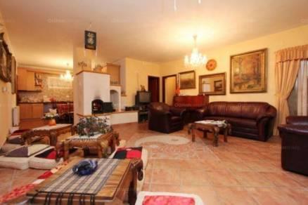 Eladó 12 szobás családi ház Vonyarcvashegy