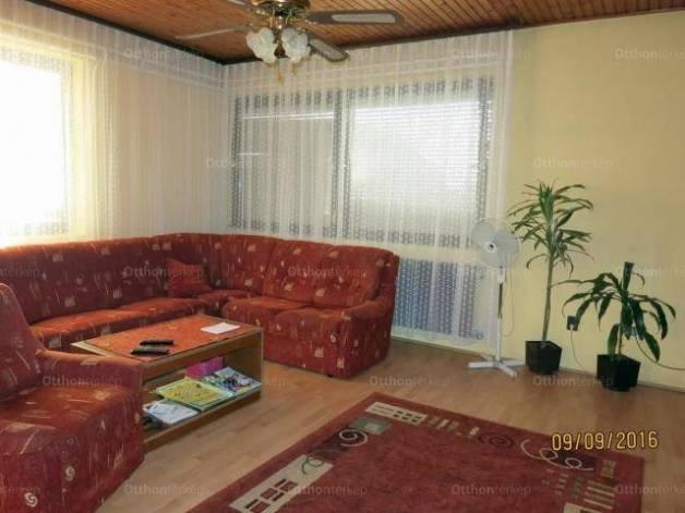 Eladó 4+1 szobás családi ház Sükösd