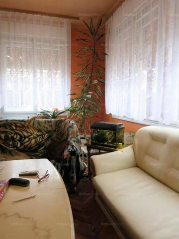 Családi ház eladó Csátalja, 200 négyzetméteres