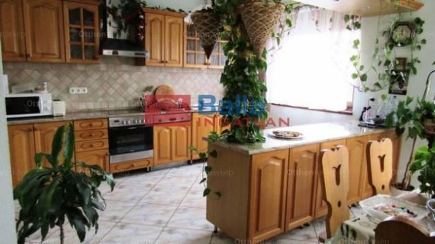 Dunakeszi 6 szobás ház eladó