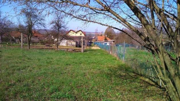Pécs telek eladó