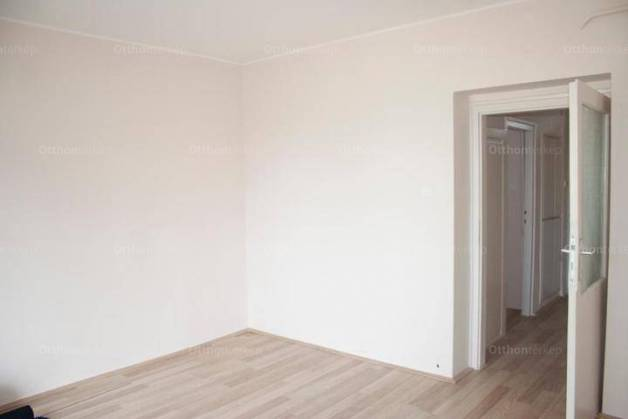 Debreceni eladó lakás, 1 szobás, az Alkotmány utcában