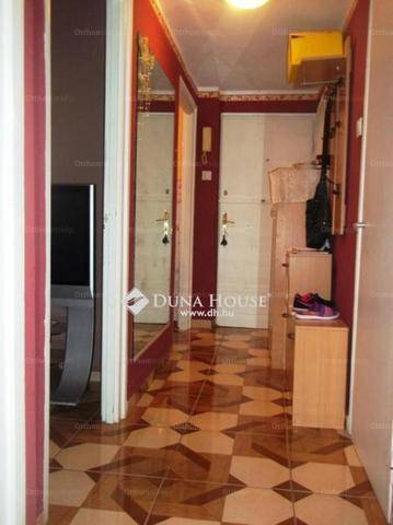 Lakás eladó Tatabánya, az Ifjúság utcában, 43 négyzetméteres