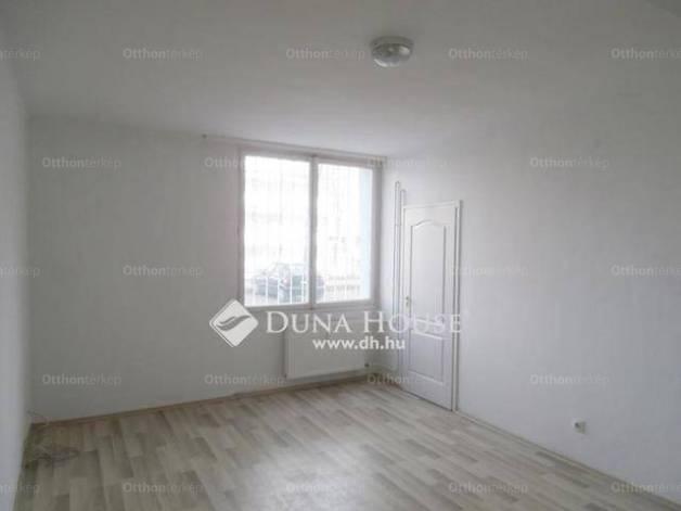 Eladó lakás Tatabánya a Réti utcában, 1 szobás