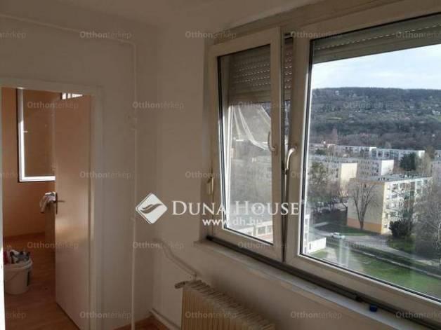 Eladó 1+1 szobás lakás Tatabánya az Ifjúság utcában