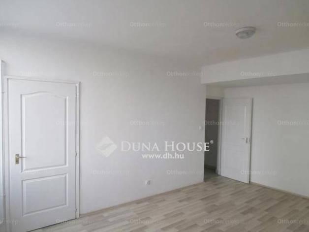 Eladó 1 szobás lakás Tatabánya a Réti utcában