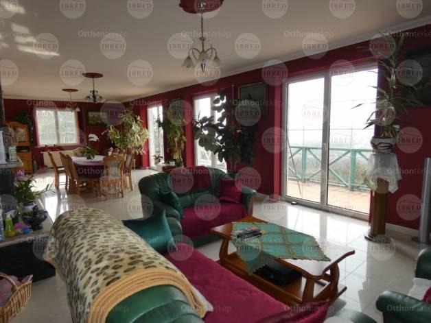 Budaörsi eladó ház, 6 szobás, 300 négyzetméteres