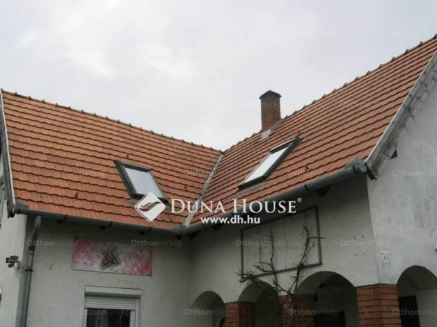 Eladó 7 szobás ház Pusztaszabolcs a Széchenyi István utcában
