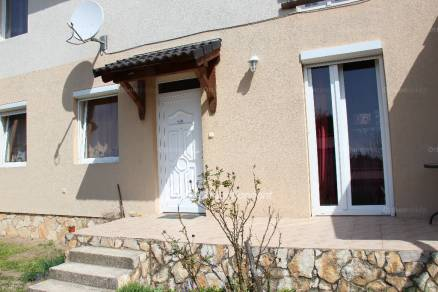 Eladó 2+1 szobás lakás Gyömrő az Erzsébet utcában