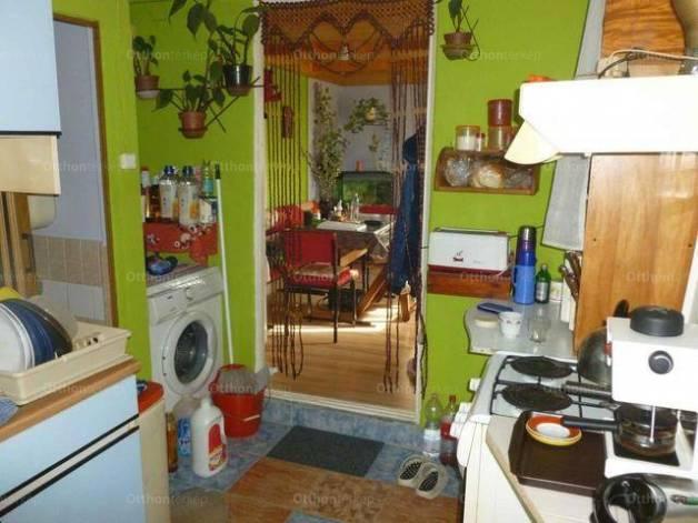 Pilisi családi ház eladó, 28 négyzetméteres, 1+1 szobás
