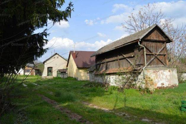 Balatonkenese ház eladó, 5 szobás