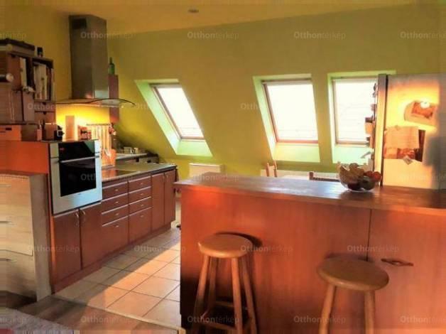 Eladó 3+1 szobás lakás Debrecen