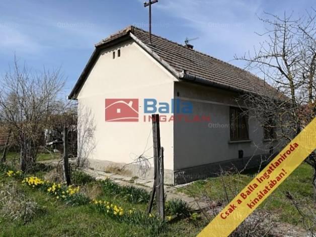 Eladó ház, Felsőlajos, 2+1 szobás