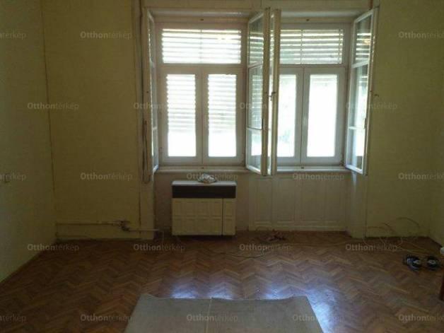Eladó lakás Székesfehérvár, 2 szobás