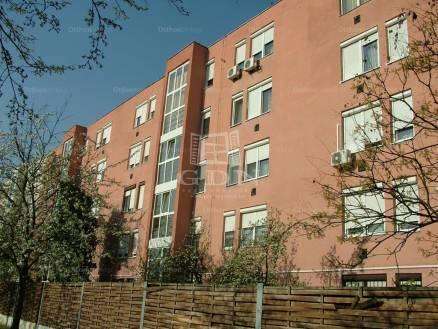 Lakás eladó Szolnok, 50 négyzetméteres