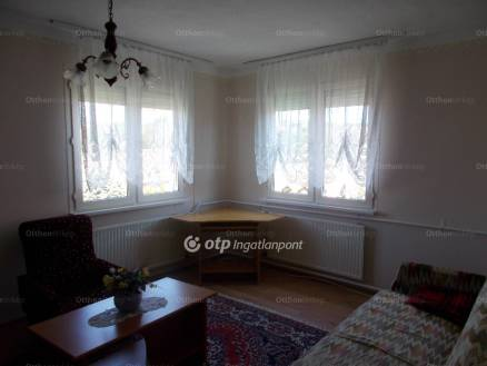 Eger eladó lakás a Maklári úton