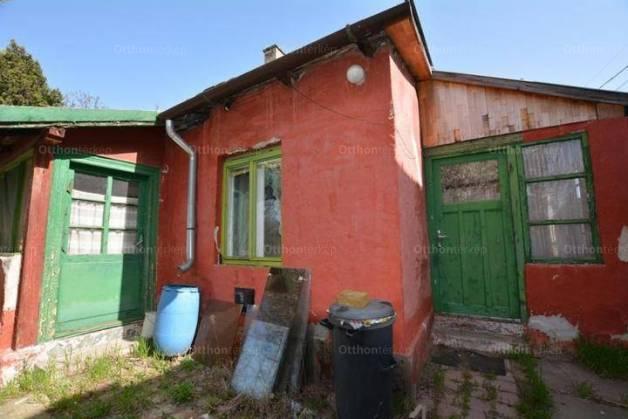 Eladó családi ház Vecsés, 2 szobás