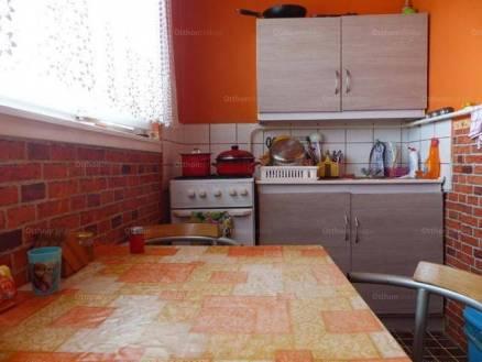 Eladó, Eger, 1+2 szobás