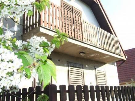 Gárdonyi eladó nyaraló, 1+3 szobás, 90 négyzetméteres