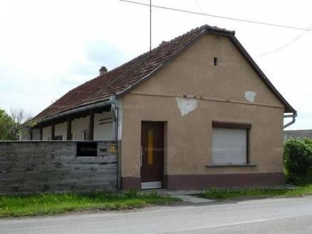 Dunapataji eladó családi ház, 2 szobás, az Ordasi úton