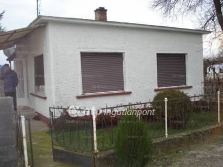 Dunapataji eladó családi ház, 2 szobás, 36 négyzetméteres