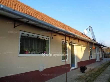 Akasztói családi ház eladó, 90 négyzetméteres, 3 szobás