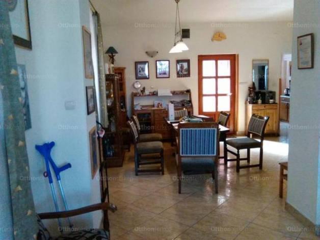 Ócsa 6 szobás családi ház eladó