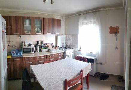Oroszlány családi ház eladó, 3 szobás