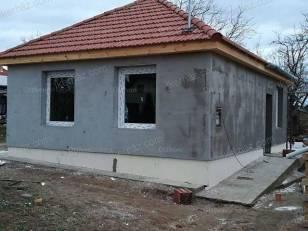 Pécel eladó családi ház