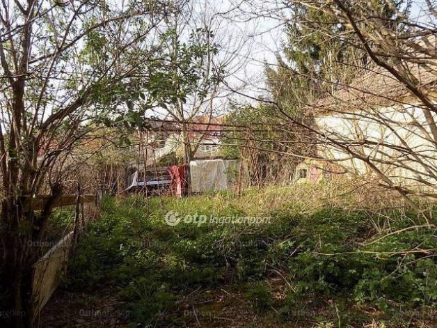 Családi ház eladó Üröm, 80 négyzetméteres