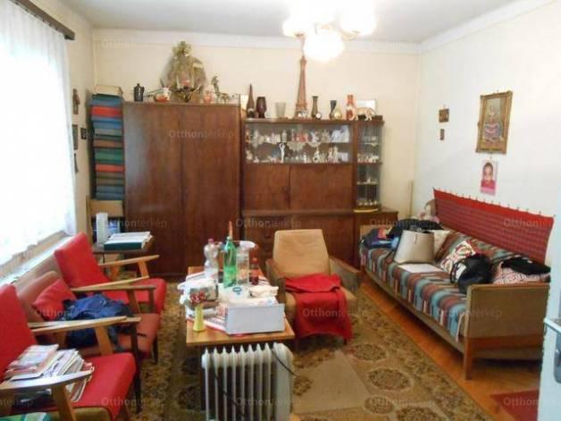Eladó családi ház Debrecen, 2 szobás