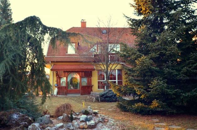 Eger 5+1 szobás családi ház eladó