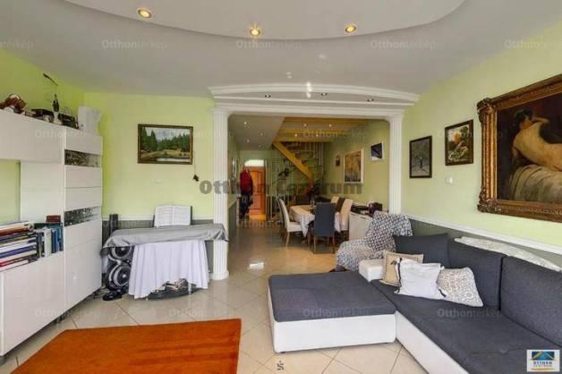 Kecskeméti lakás eladó, 93 négyzetméteres, 2+2 szobás