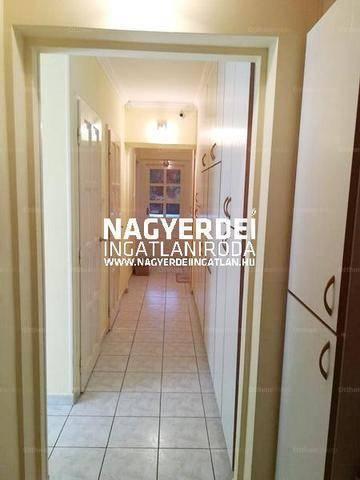 Lakás eladó Debrecen, 87 négyzetméteres