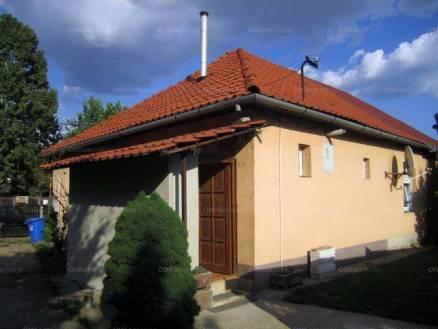 Debreceni ikerház eladó, 70 négyzetméteres, 3 szobás