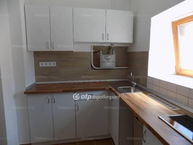 Eladó lakás, Győr, 1 szobás