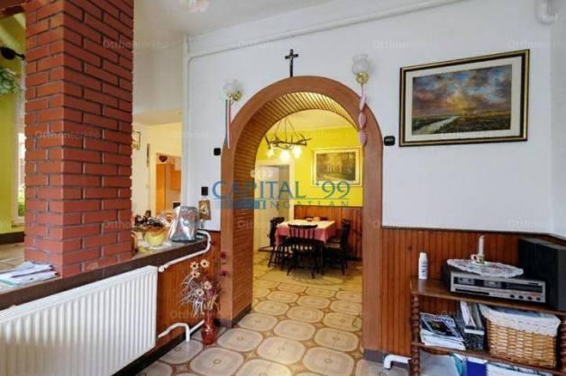 Rezi családi ház eladó, 210 négyzetméteres, 6 szobás