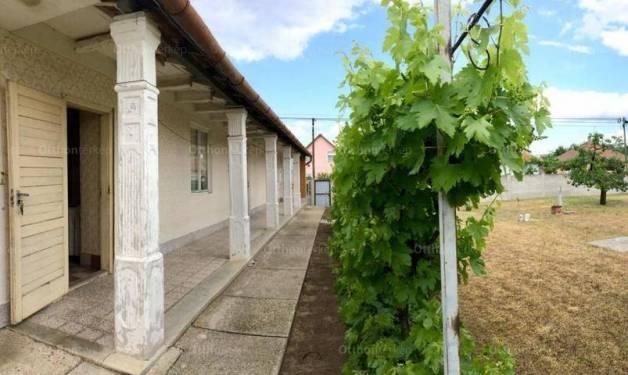 Családi ház eladó Nagykáta, 77 négyzetméteres