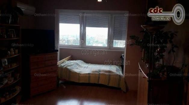 Budapesti lakás eladó, Óbudán, Ágoston utca, 2 szobás