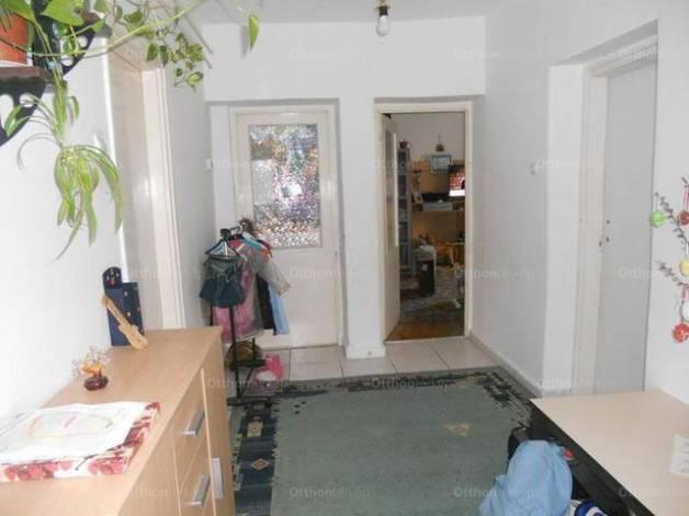 Szegedi eladó ikerház, 1+2 szobás, 60 négyzetméteres