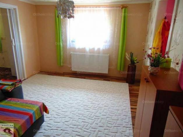 Eladó családi ház, Lánycsók, 4 szobás