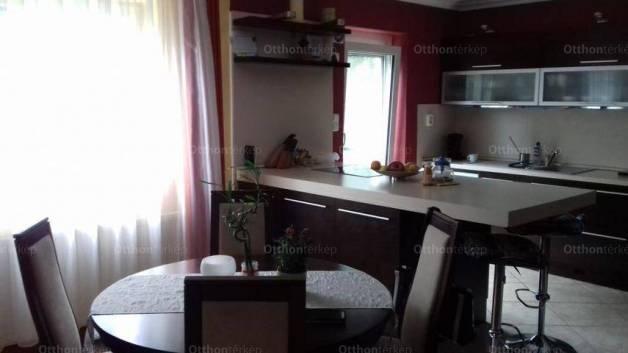 Székesfehérvár családi ház eladó, 4+1 szobás